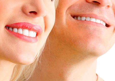 Sonríe con tranquilidad al lado de Clínica Dental Cantador